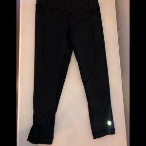 Lululemon Capri (knee length leggings) size 4